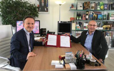 Une convention-cadre signée entre l'Inra, Valorex et Bleu-Blanc-Coeur pour consolider et développer des modèles agricoles et alimentaires durables
